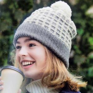 雾都 云柔真丝羊毛女士棒针双色保暖帽