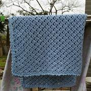 蓬松棉纱线钩针婴儿毯