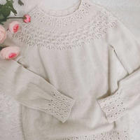 初冬 从领口往下编织水草花样女士棒针羊绒衫