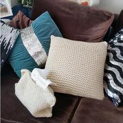 简约大牌云趣棒我抱枕和纸巾盒