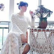 优雅女士钩针白色长袖连衣裙