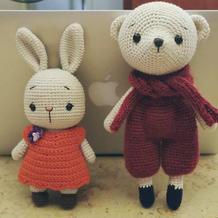 萌可爱钩针小熊泰里和迷你小兔子