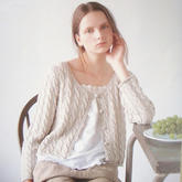 时尚经典女士棒针麻花圆领长袖短开衫
