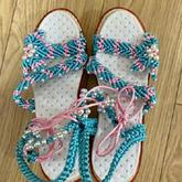 一双妈妈牌编织拖鞋登上热搜 各种表态未来可期