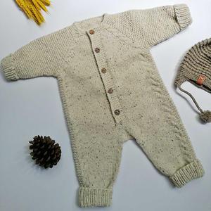 从领口向下编织宝宝棒针插肩长袖爬服