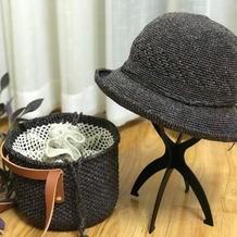 夏日风情 钩针编织真丝棉草包包+渔夫帽