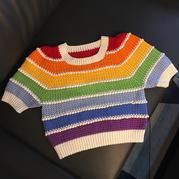 彩虹钩针短袖 从上往下女士钩针短款彩虹衫