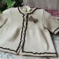 麦斯 棒针苏格兰风女童裙式开衫
