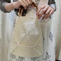 女士钩针拼花式竹节手拎包
