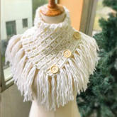 織法非常簡單的簡約實用流蘇紐扣圍巾編織視頻教程
