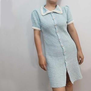 开襟式女士钩针翻领连衣裙 有效遮肉款