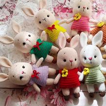 可可爱爱的一群小兔叽 钩针迷你米菲兔图解编织教程
