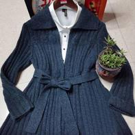 疏篱菊影 同色绣花含腰带女士棒针翻领中长款开衫